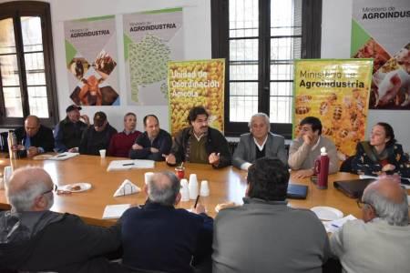 Convocan a productores apícolas a presentar proyectos que financiará el Fondo Rotatorio