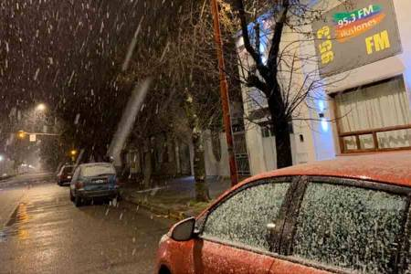 Copiosa nevada en la madrugada de Tres Arroyos