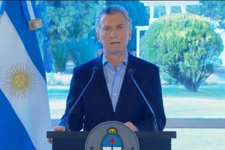 Mauricio Macri pidió disculpas por su reacción ante la derrota y anunció medidas económicas